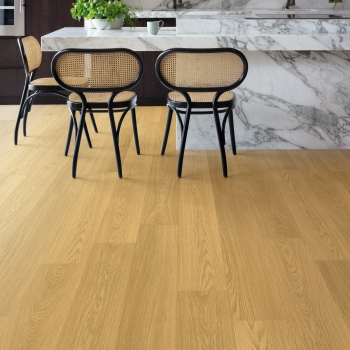 Quickstep Signature Natural Varnished Oak