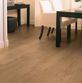 Quick-Step Classic Natural Varnished Oak Laminate Flooring CLM1292