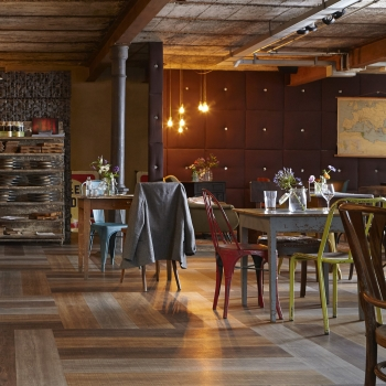 Tarkett iD Inspiration Loose-lay Sawn oak vinyl flooring