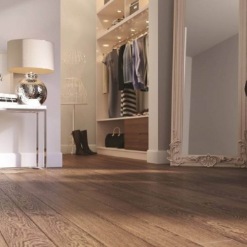 Tuscan Rustic Golden Oak Hand Distressed TF21 Engineered Wood Flooring