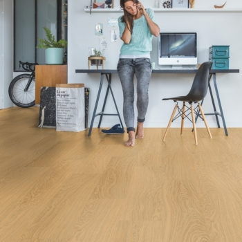 Quick-Step Livyn Pulse  Pure Oak Honey