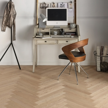 Woodland French Oak Herringbone Limestone