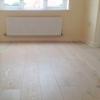 Woodland Robusta Oak Extra White 20mm