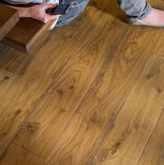 Quick Step Elite Old White Oak Natural Laminate Flooring Save More